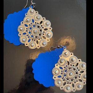 3/$15 Blue/silver earrings